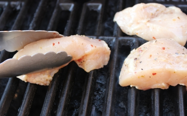 Look in the Fridge Friday: Quick and easy grilled chicken recipe for students