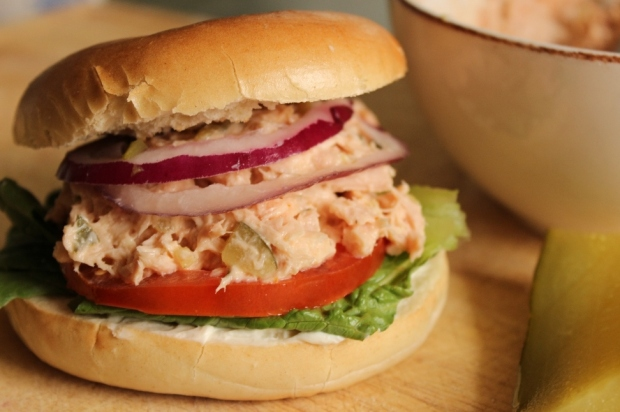 Half the Mayo Tuna Fish Sandwich. Easy Lunch Recipe for #College Students