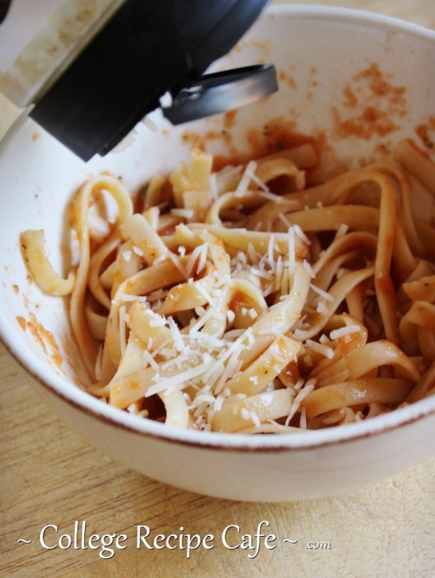 This pasta dinner was made in under 4 minutes. Here's how.