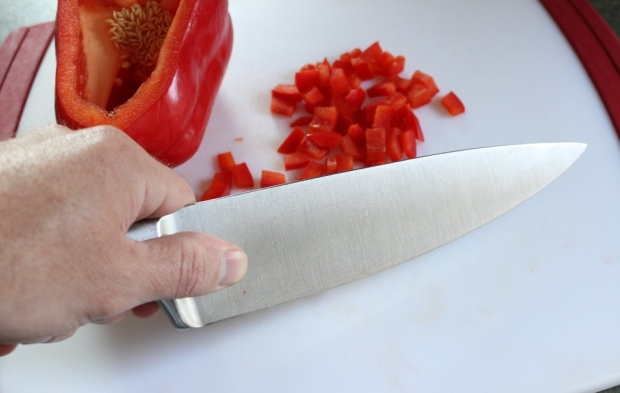 The Blade Grip offers more control and balance when using the chef's knife. Click the pic for details.